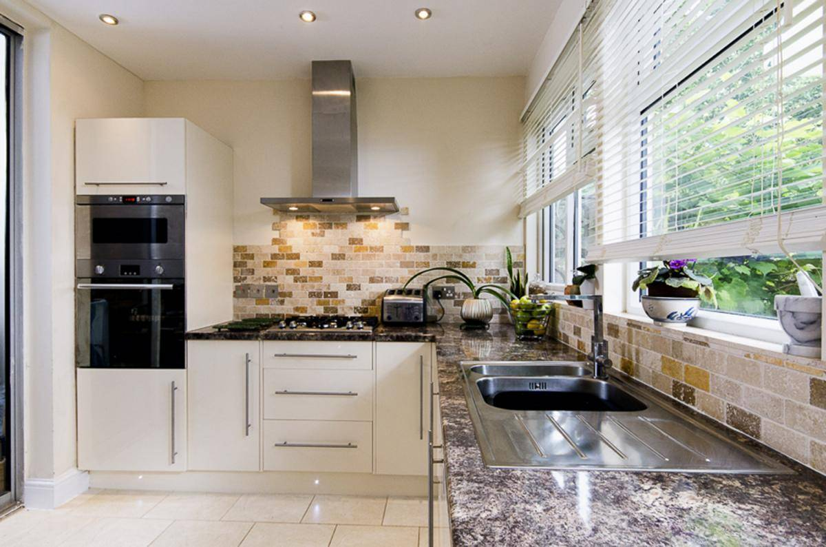 Kitchen renovaton kitchen fitter